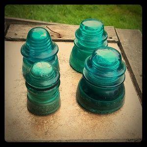 Set of 4 Hemingray Glass Insulators